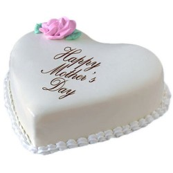 Heart Mothers day cake