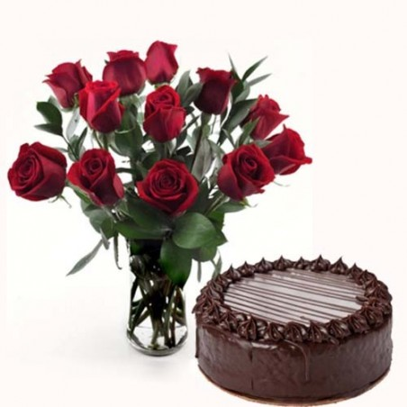 Dozen Roses Vase with Eggless Cake