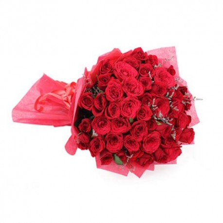 Valentine Day Special of Hundred Red Roses with Greeting Card