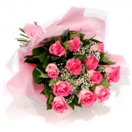 Bouquet of Red and Pink Roses For Romantic Couple