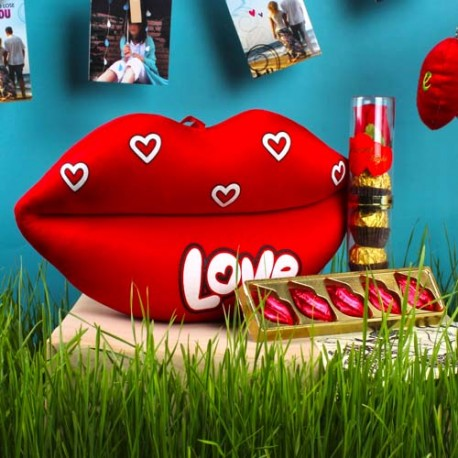 Love Toy with Lip Shaped Chocolate and Royle Chocolate in Combo