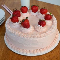Strawberry Cake (Brownie Point)