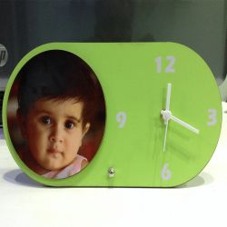 Green table clock