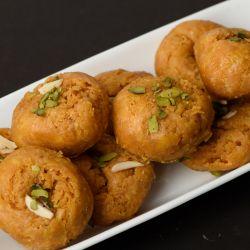Balushahi (Nathus Sweets)