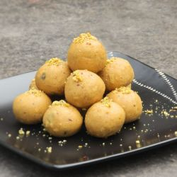 Dry Fruit Besan Laddoo (Nathus Sweets)