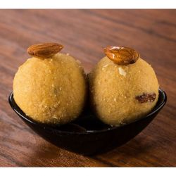 Besan Laddu (Anand Sweets)