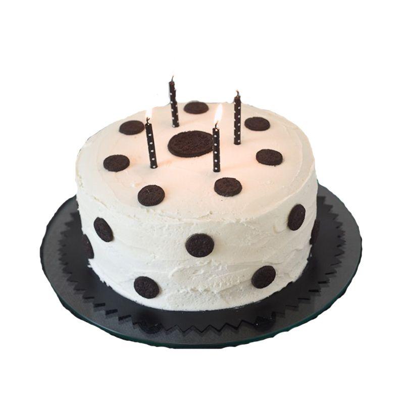 Oreo White Forest cake (2 Pounds)
