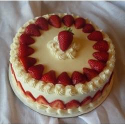 Strawberry Cake 1 kg (Berry N Blossom)