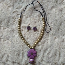 Pink flower with gold ball set