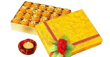 Women's day sweet gift box